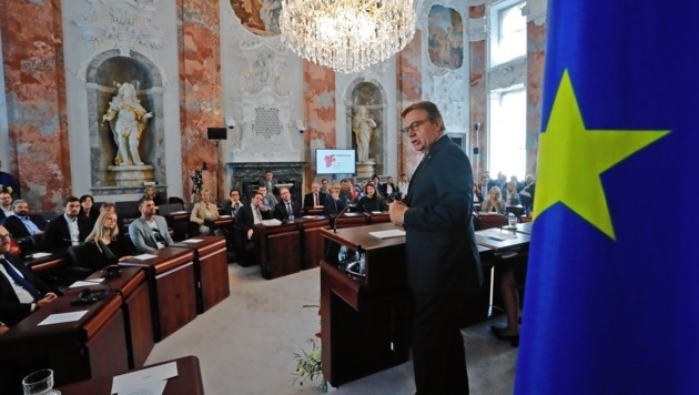 Die Landesregierung von LH Platter verzeichnet erhöhte Repräsentationsausgaben - auch infolge des EU-Jahrs 2018 (Bild: Birbaumer)