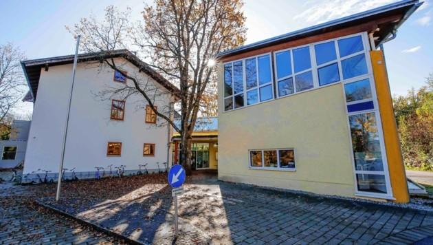 Die Schulküche in Sighartstein (Neumarkt) soll geschlossen und die Schüler künftig von der Küche des Seniorenwohnheims mitversorgt werden. (Bild: Markus Tschepp)