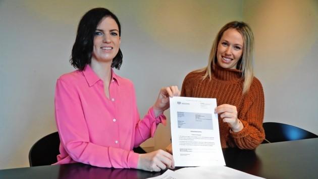 Konzertkarten um 900 Euro: Caroline Waldhart von der Kanzlei Webhofer (li.) klagte im Auftrag von Anna T. mit Erfolg Online-Ticketvermittler viagogo. (Bild: Christof Birbaumer)