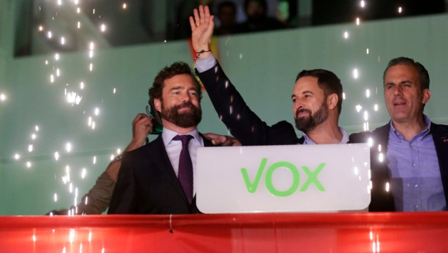 Santiago Abascal, Vorsitzender der rechten Partei Vox (Bild: AFP/)