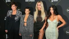 Kris Jenner, Kourtney Kardashian, Khloé Kardashian und Kim Kardashian (Bild: APA/AFP)