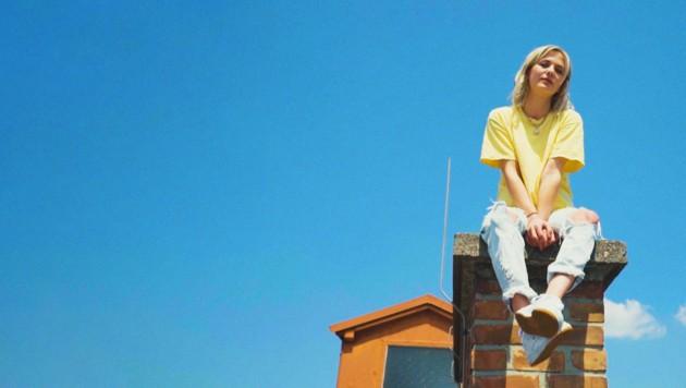 Gebürtige Oberösterreicherin Lisa Pac stürmt die Charts (Bild: Robin Poppins)