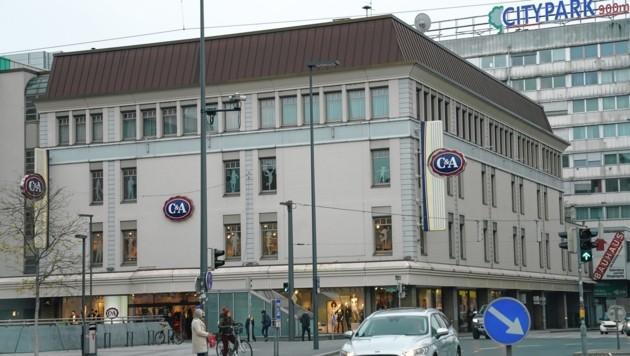 Das C&A-Gebäude am Grazer Hauptbahnhof (Bild: Sepp Pail)