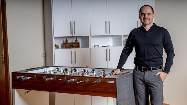 Thomas Bankhamer machte sich nach dem Verkauf seiner Anteile an der von ihm mitgegründeten Maschinenbaufirma als Produktdesigner selbstständig. (Bild: Bankhamer Design/Stemmsi Foto)