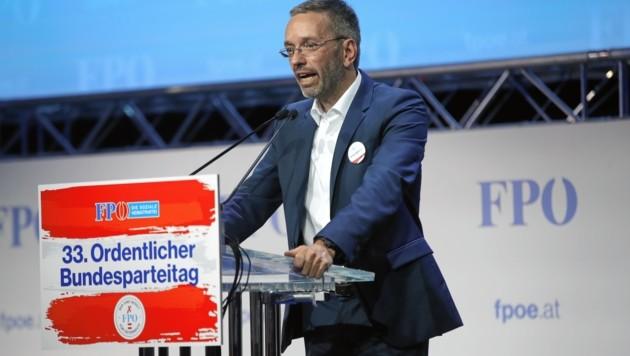 Herbert Kickl beim FPÖ-Bundesparteitag in der Grazer Stadthalle (Bild: Sepp Pail)