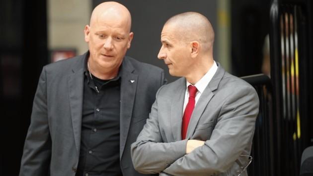 Die Bulls-Spitze um Geschäftsführer Oliver Freund (li.) und Sportdirektor Michael Schrittwieser wartet auf eine Entscheidung. (Bild: Sepp Pail)