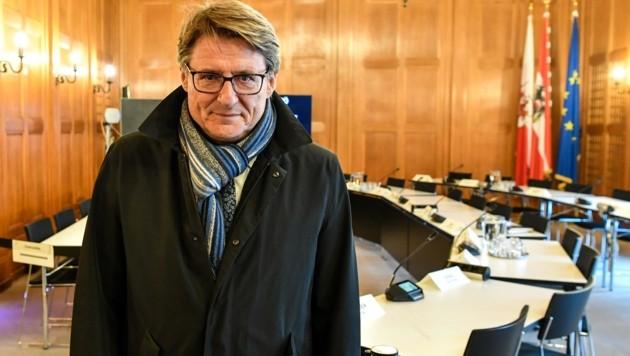 """""""Das Flüchtlingswesen war zu meiner Zeit gut organisiert"""", sagte Ex-SPÖ-LHStv. Hannes Gschwentner gestern vor dem U-Ausschuss zur Flüchtlingsgesellschaft TSD. Er berichtete auch von politischer Taktik in dieser Frage. (Bild: zeitungsfoto.at)"""