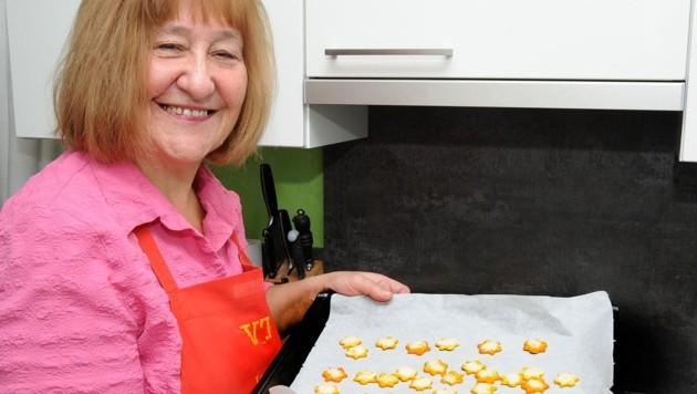 """Herta Müllner kocht und bäckt für """"ihre Volkstanzgruppe"""". (Bild: Crepaz Franz)"""