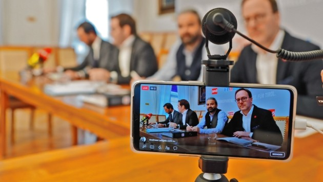 Die vier Oppositionsparteien SPÖ, FPÖ, Liste Fritz und Neos nahmen die TSD unter die Lupe (Bild: Christof Birbaumer / Kronenzeitung)
