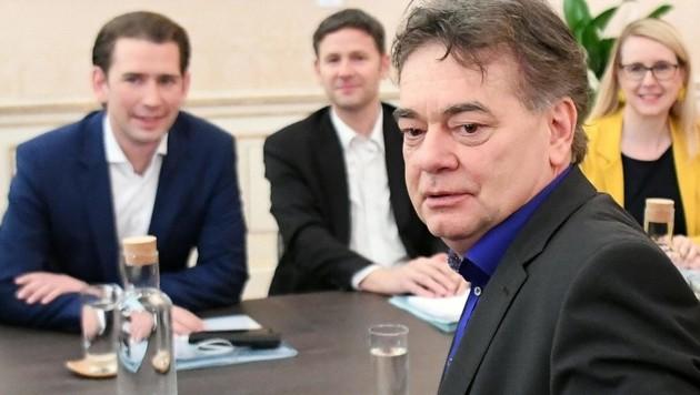 ÖVP-Chef Sebastian Kurz, Stefan Steiner, Grünen-Chef Werner Kogler und Margarethe Schramböck (Bild: APA/HELMUT FOHRINGER)