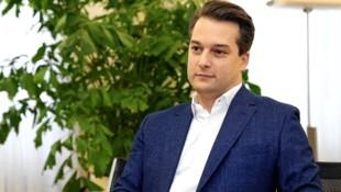 Der designierte Wiener FPÖ-Chef Dominik Nepp wird seinem ehemaligen Parteiobmann Heinz-Christian Strache nichts zu Weihnachten schenken. (Bild: Klemens Groh)