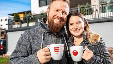 Katharina Huber und Peter Mojzer aus NÖ hoffen auf den Gewinn des Thermenurlaubs. (Bild: Imre Antal)