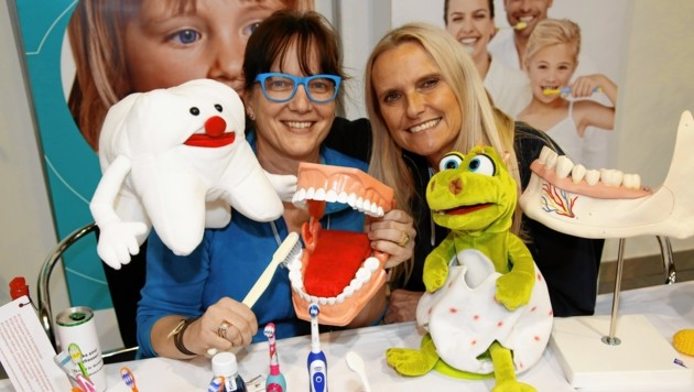 Richtiges Zähneputzen sollte auch bereits mit Kindern gelernt werden. (Bild: Rojsek-Wiedergut Uta)