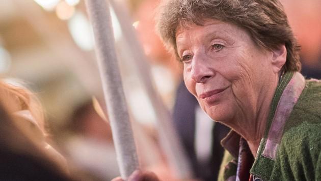 Die nicht amtsführende FPÖ-Stadträtin Ursula Stenzel während einer Kundgebung der rechtsextremen Identitären in Wien