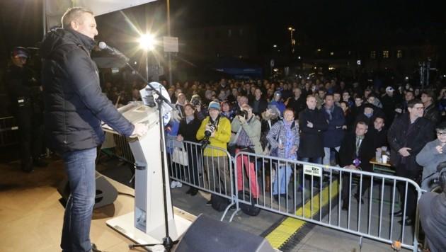 Mario Kunasek bei der Schlusskundgebung am Grazer Lendplatz