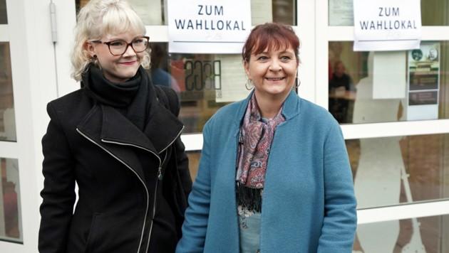 KPÖ-Spitzenkandidatin Klimt-Weithaler mit ihrer Tochter Emilia