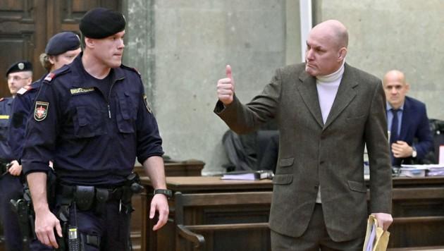 Ex-Judoka Peter Seisenbacher vor Gericht (Bild: APA/HERBERT NEUBAUER)
