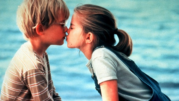 "Macaulay Culkin und Anna Chlumsky in ""My Girl"" (Bild: Ronald Grant Archive / Mary Evans / picturedesk.com)"
