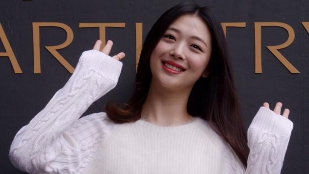 K-Pop-Star Sulli war im Oktober tot in ihrer Wohnung aufgefunden worden. (Bild: AP)