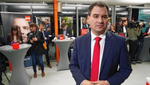 Alleingelassen: Schon am Wahlabend rückten einige rote Funktionäre demonstrativ von Michael Schickhofer ab. (Bild: Sepp Pail)