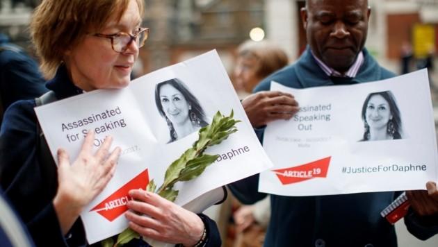 Demonstranten fordern Gerechtigkeit für die ermordete Journalistin Daphne Caruana Galizia. (Bild: AFP )