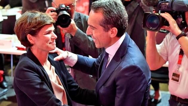 """SPÖ-Chefin Pamela Rendi-Wagner behauptet, von ihrem Vorgänger Christian Kern """"einen Rucksack voller Steine"""" überreicht bekommen zu haben. (Bild: APA/BARBARA GINDL)"""