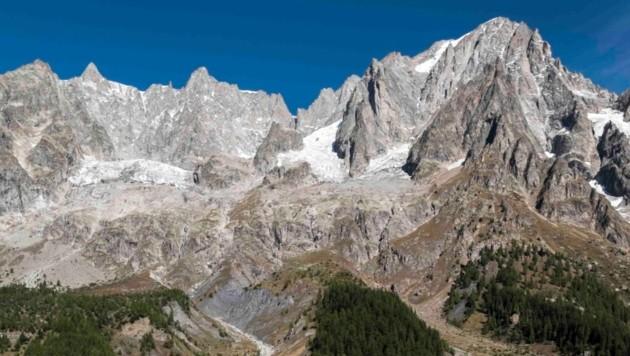Blick vom italienischen Courmayeur auf das Mont-Blanc-Massiv (Bild: AP)