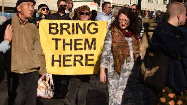 In Sydney und anderen australischen Städten kommt es regelmäßig zu Protesten gegen die Lager auf Manus und Nauru. (Bild: APA/AFP/PETER PARKS)