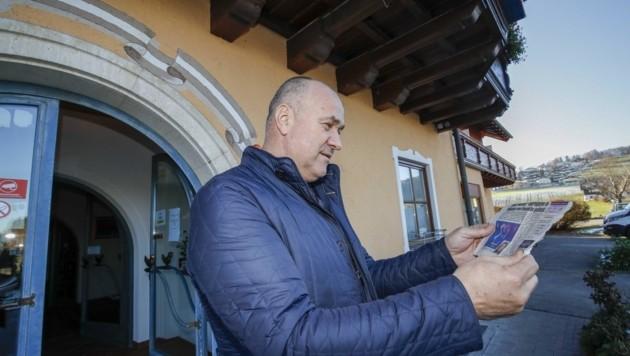 """Peter Barukcic will das Foto der Frau, das in der """"Krone"""" veröffentlicht wurde, in seiner Pizzeria herumzeigen. """"Vielleicht war sie bei uns essen. Ich persönlich kenne das Gesicht nicht."""" (Bild: Tschepp Markus)"""