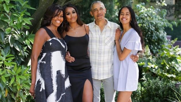 Mit diesem Foto grüßten die Obamas und ihre Töchter aus dem Thanksgiving-Urlaub. (Bild: www.twitter.com)