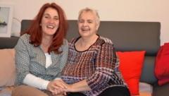 Eveline und Monika sind heute Freundinnen mit Herz. (Bild: Elisa Aschbacher)