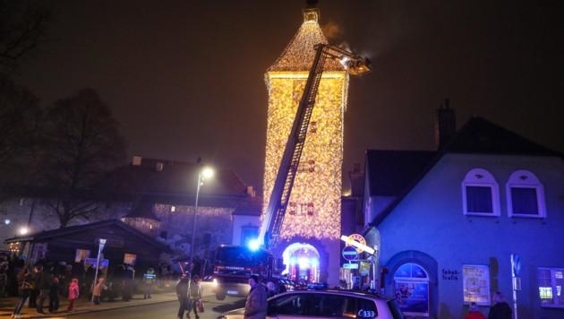 Einsatz beim Ledererturm in Wels (Bild: laumat.at/Matthias Lauber)