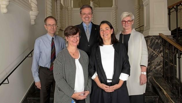 Gerd Grupe, Barbara Simandl, Georg Schulz, Maria Zeichen-Ziegler, Constanze Wimmer (von links) (Bild: Alexander Wenzel)