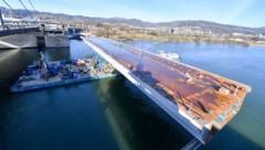 Der Stahlbauteil wiegt 1500 Tonnen. (Bild: Harald Dostal)