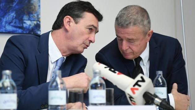 Karl Baron und PR-Berater Gernot Rumpold (Bild: APA/HELMUT FOHRINGER)