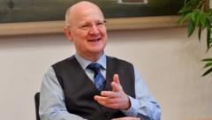 Sparkasse-OÖ-Generaldirektor Michael Rockenschaub wird am Montag 65 Jahre alt. (Bild: Harald Dostal)