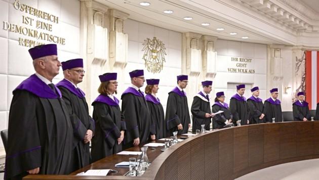 Die Verfassungsrichter (Bild: APA/Hans Punz)