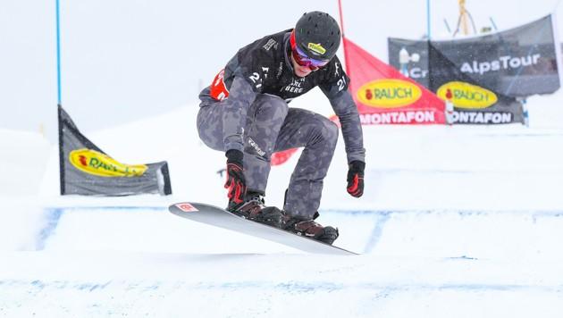 Gino Hämmerle feierte am Freitag seinen zweiten Sieg im Snowboardcross-Europacup. (Bild: GEPA )