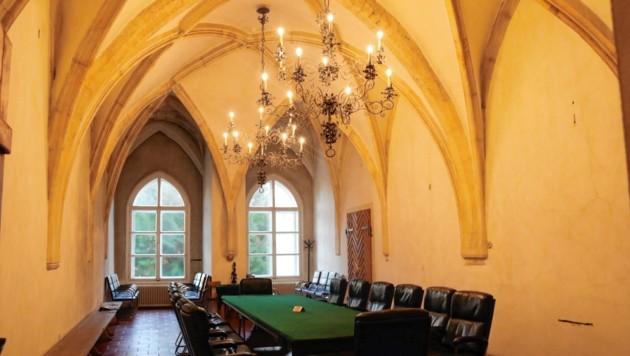 """Das Kapellenzimmer ist mit Fenstern aus Panzerglas """"gesichert"""". (Bild: Christian Jauschowetz)"""