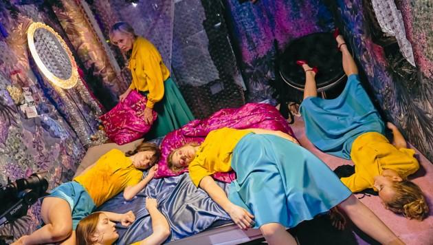 """Aufregung um das Stück """"Dies Irae - Tag des Zorns. Eine Endzeitoper"""" am Burgtheater (Bild: APA/BURGTHEATER/MATTHIAS HORN)"""