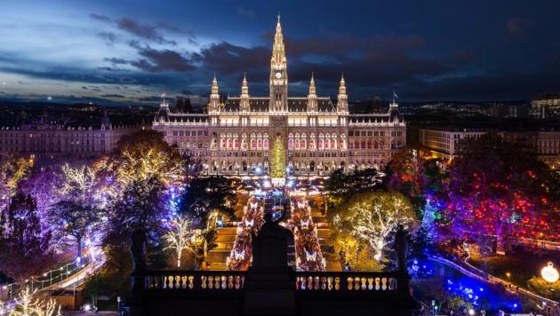 Wiener Christkindlmarkt am Rathausplatz (Bild: stadt wien marketing/Johannes Wiedl)