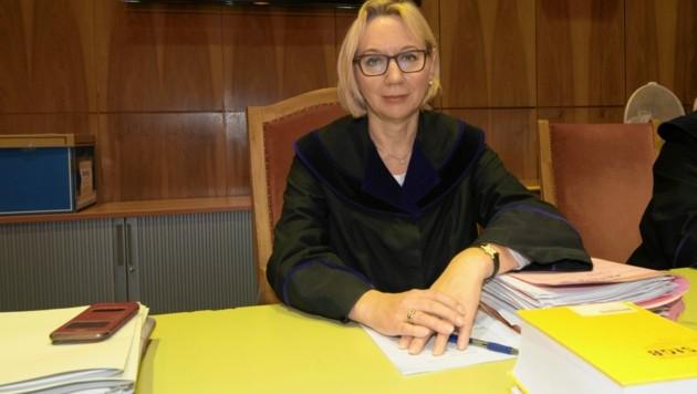Die vorsitzende Richterin Michaela Lapanje (Bild: © Elmar Gubisch)