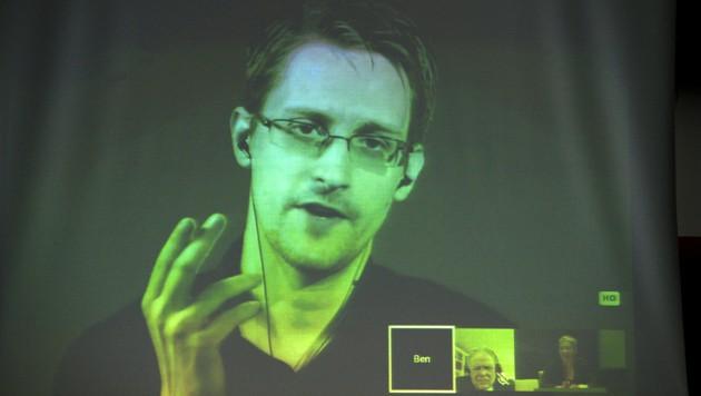 Snowden während einer Videokonferenz mit dem Europarat in Straßburg (Bild: AFP)
