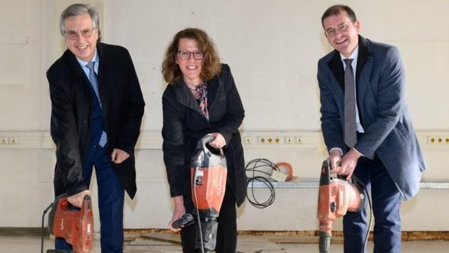 Med-Uni-Rektor Hellmut Samonigg, Wissenschaftsministerin Iris Rauskala und Hans Peter Weiss, Geschäftsführer der BIG (Bild: Med Uni Graz)