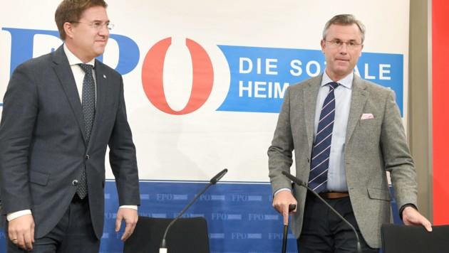 FPÖ-Parteichef Norbert Hofer und der Welser Bürgermeister Andreas Rabl präsentierten die Zukunftskonzepte der Partei. (Bild: APA/Roland Schlager)