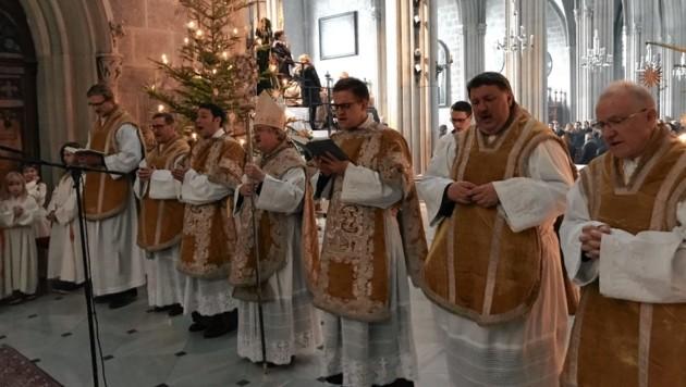 Ein besinnlicher Moment bei der Christmette in der Stiftskirche (Bild: Stift Admont)