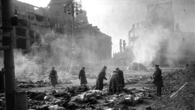 Dresden, 1945 (Bild: 2005 AFP)