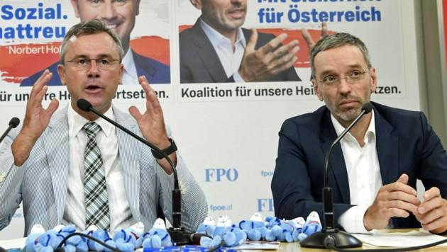 Die FPÖ-Politiker Norbert Hofer und Herbert Kickl (Bild: APA/HANS KLAUS TECHT)