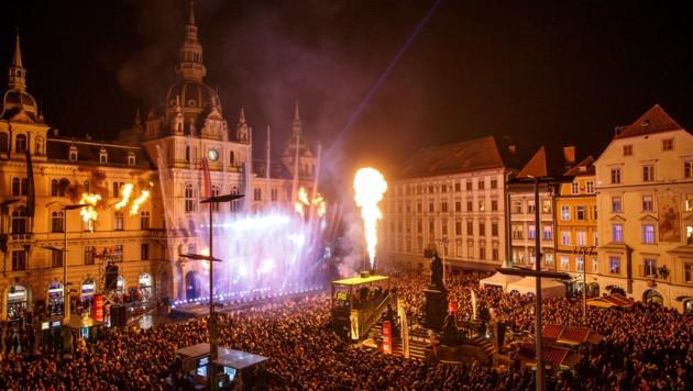 Zigtausende waren zu Silvester am Hauptplatz in Graz (Bild: Erwin Scheriau)