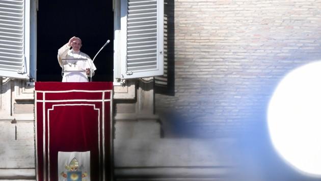 Der Papst beim Angelus-Gebet (Bild: AFP)